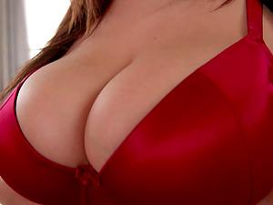 Horny guy fucks Sandra Milka while her big boobs bounce up and down