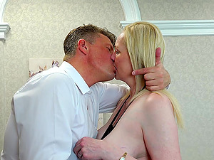 Epic hardcore sexual action between horny lady and handy man
