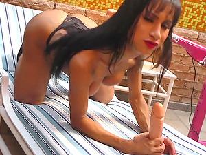 Dildo Machine Makes TS Renata Farias Cum