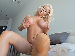 Busty MILF Nikki can't get enough of her new vibrator