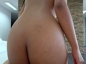 Asian babe Killa Raketa loves the feeling of warm jizz on her belly
