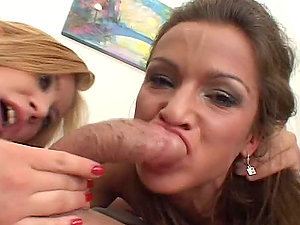 Luba Love and Sunny Jay give an memorable oral pleasure