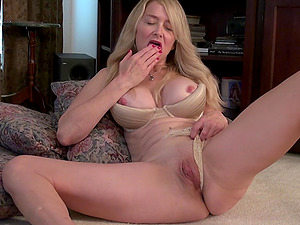 Busty mature amateur blonde MILF Ava gets her pussy all wet