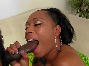 Black Slut Dutchess Opens Cunt for BBC
