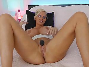 Huge Tits Blonde Babe Finger Fucks Her Pussy