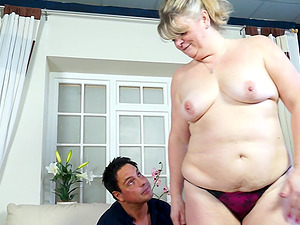 Blonde mature amateur British BBW bo gets her enormous tits sucked