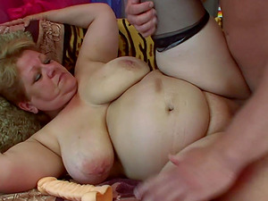 Mature BBW Gaby loves bouncing on a throbbing cock