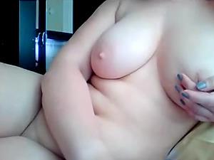 Busty blonde masturbates her pussy (Turkish)