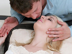 Teen Miranda May Gets Pounded by BF