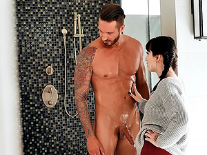 Petite goth Charlotte Sartre gives a blowjob before getting fucked