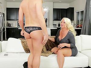 Alura Jenson blows and rides busty shemale Nikki Jade Taylor