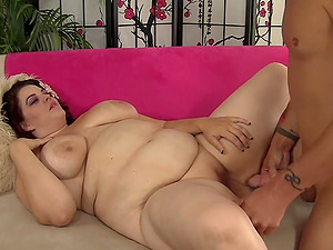 BBW Buxom Bella Gets Eaten out n Drilled