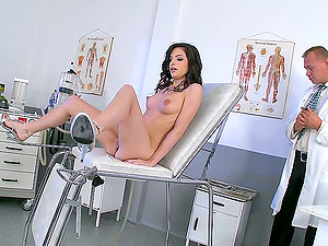 A Hot Visit To The Gynecologist With Ann Marie La Sante