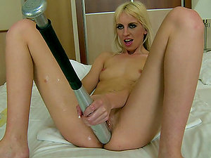 After Frolicking Her Snatch the Blonde Alexa Wild is Ready for some Going knuckle deep