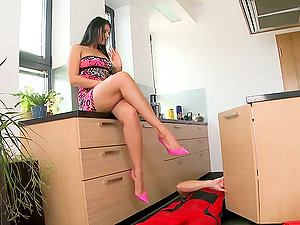 The plumber meets a ultra-cutie in high-heeled shoes and humps her brains out