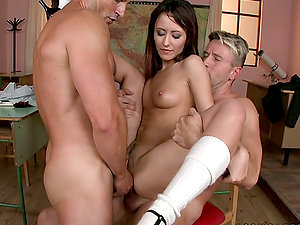 Broad Fucked By Two Dudes Gets Mouth & Vulva Running in rivulets with Jizm