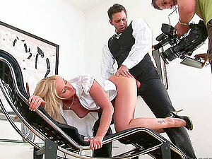 Backstage with Kathia Nobili in hot rectal hook-up scene
