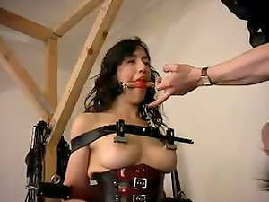 Chesty brown-haired is being arched after a severe frogtie