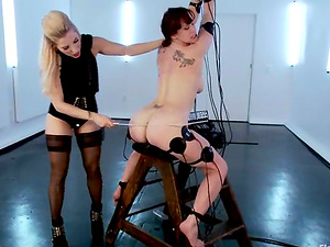 Kinky Bella Rossi gets tantalized and toyed by Ashley Fires