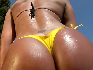 Jaque the trampy Brazilian gets rammed by the pool