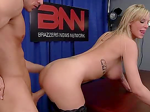 Anchorman Fucks The Big-boobed Blonde Weather Whore Brooke Banner