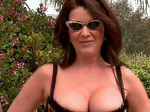 Cougar Stunner Now Wants a Big Black Man rod