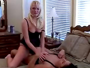 Angela and Clarissa Doll plaything their vulvas with a dual dong