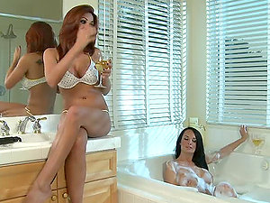 Buxom Beauties Alektra Blue and Kirsten Price Going Lesbo