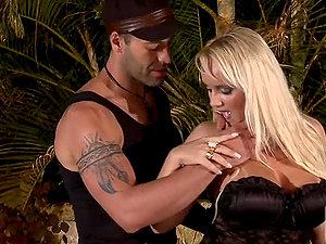 Buxom Brazilian Blonde Cinthia Santos Loving Ass-fuck Fucky-fucky
