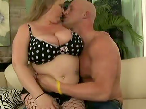 Blonde BBW Sucking And Fucking Missionary With Older Dude