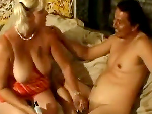 Horny Mature Blonde Gives Superb Oral job To Her Spouse