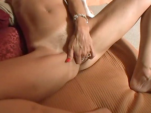 Inexperienced dual intrusion scene with a whore