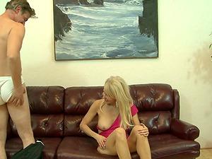 Cougar Erica Lauren gets banged in her vagina in hot hump vid