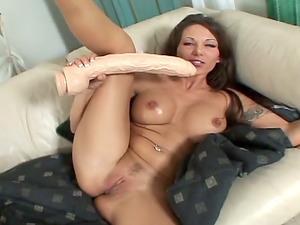 She Gets Her Cock-squeezing Bum Fucked Gonzo By Her Enormous Fucktoy
