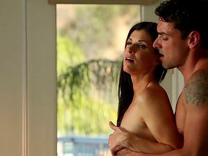 Hot Skinny Stunner Providing Erotic Blow-job Before She Gets Pounded