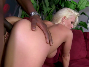 Horny Mummy Gets Some Xxx Black Penis From a Junior Man