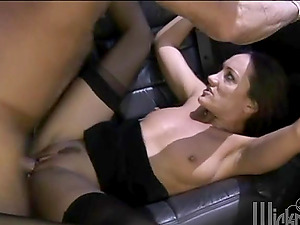Tasty Mummy Michelle Lay Deepthroating And Fucking In The Car