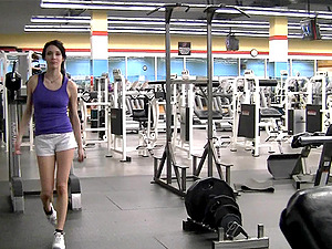 Solo clip of Aiden demonstrating her twat and tits in a gym