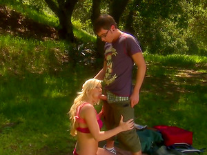 Sexy bridesmaid gets fucked adorably outdoors by a best man
