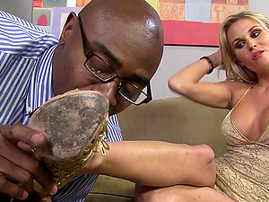 Interracial Foot worship as He Cums on Her Pretty Feet