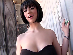 Big-titted Mummy Superstar Shows Some Serious Cleavage