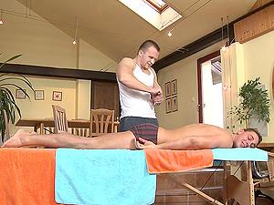 Hot homo hookup among a sexy hunk and his masseuse