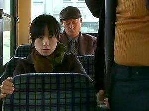 Japanese Stunner Likes Deepthroating A Horny Fellow She Met On The Bus