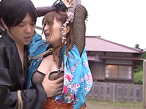 Miku Ohashi blows and gets fucked from behind outdoors