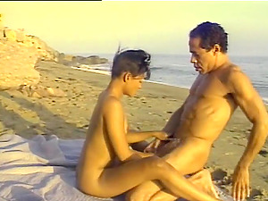 Exhibitionist Duo Fucking on the Beach