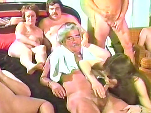 Wild Gonzo Act in a Retro Orgy
