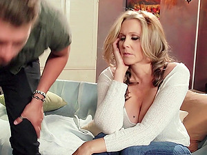 Julia Ann gets a facial cumshot after fucking a horny stud