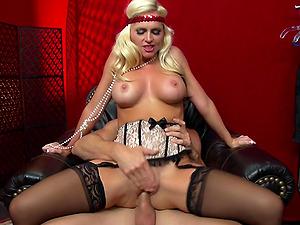 Blonde Cougar Screams In Pleasure As She Is Drilled