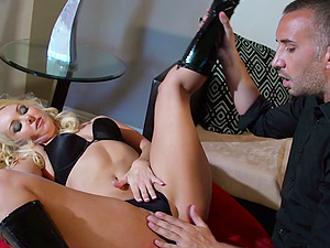 Beautiful Blonde Pornographic star Lovin? A Gonzo Cowgirl Style Fuck On Her Couch