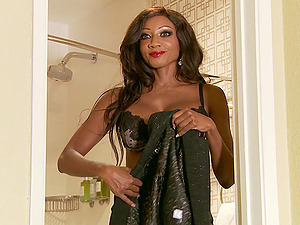 Diamond Jackson gets her black labia broke in by a black man sausage